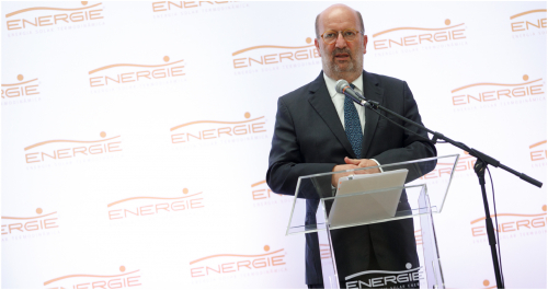 MINISTER OF THE ENVIRONMENT ANNOUNCES, AT ENERGY, FUNDING FOR FAMILIES TO BE MORE EFFICIENT